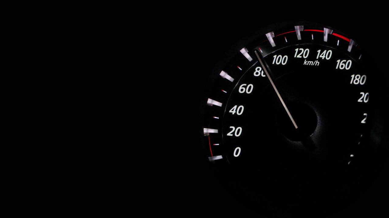 Cuentakilómetros automotriz