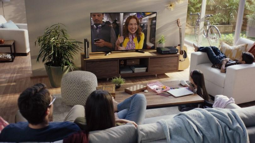 Familia viendo Netflix