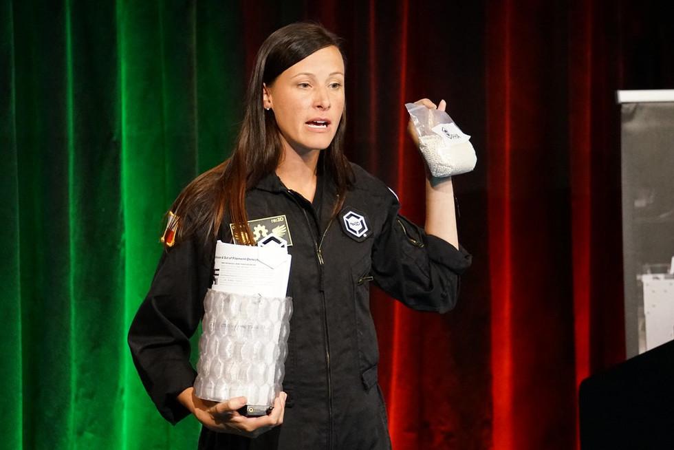 re: Samantha Snabes, cofundadora y CEO de 3D