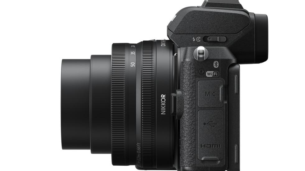 Nikon Z 50 Nikkor lens Vista lateral