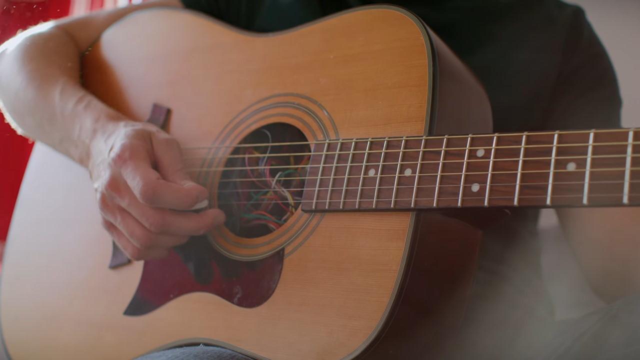 Guitarra auxiliar de acordes Google Expert