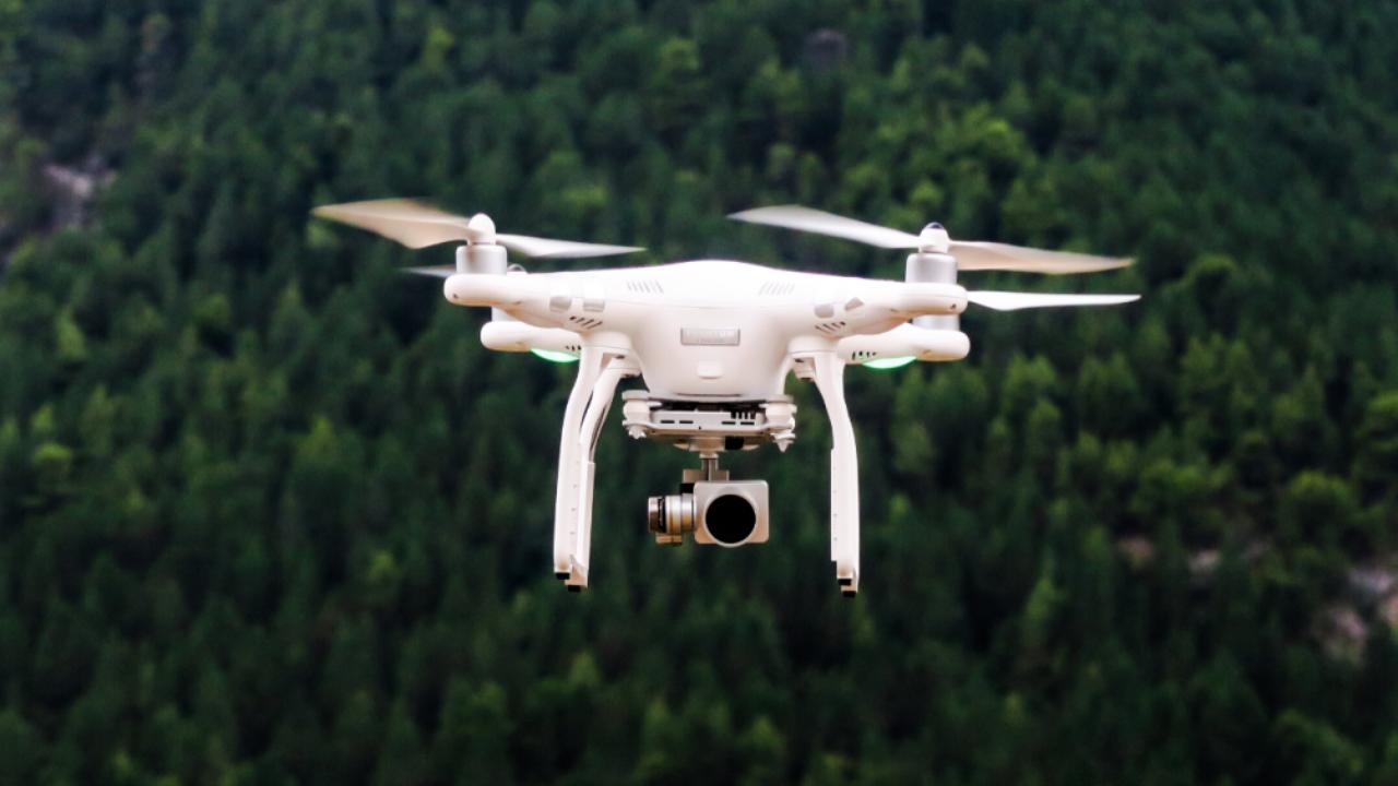 Drone Flying - Muestra